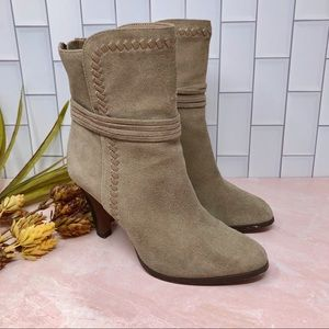 Coach Jessie Taupe Suede Stacked Heel Boot Sz 8.5